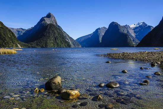 michael-the-steep-cliffs-of-milford-sound