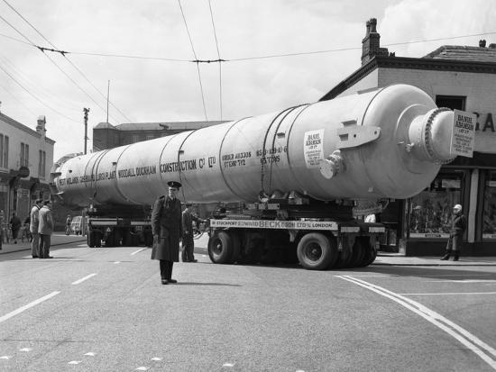 michael-walters-a-heavy-load-stops-the-manchester-traffic-1962