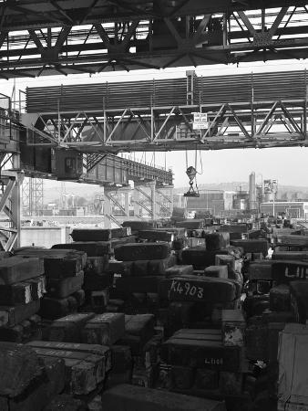 michael-walters-eectromagnet-above-steel-ingots-park-gate-iron-and-steel-co-rotherham-south-yorkshire-1964