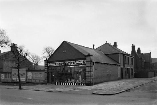 michael-walters-exterior-of-the-dodworth-road-co-op-barnsley-south-yorkshire-1957