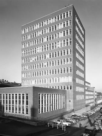 michael-walters-new-metallurgy-block-shortly-after-completion-sheffield-university-south-yorkshire-1966