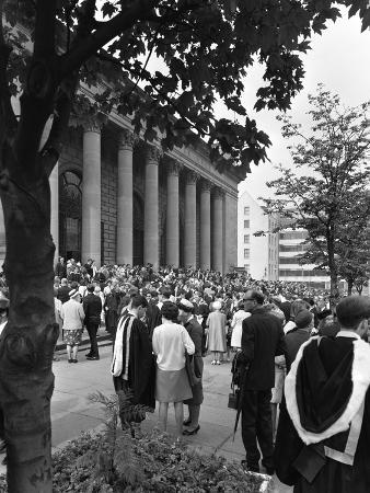 michael-walters-university-graduates-outside-sheffield-city-hall-south-yorkshire-1967