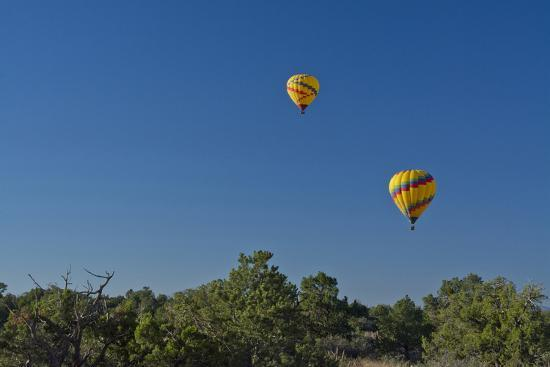 michel-hersen-sister-balloons-red-rock-country-sedona-coconino-nf-arizona
