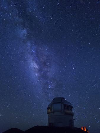 michele-falzone-usa-hawaii-the-big-island-mauna-kea-observatory-4200m-gemini-northern-telescope-and-milky-way