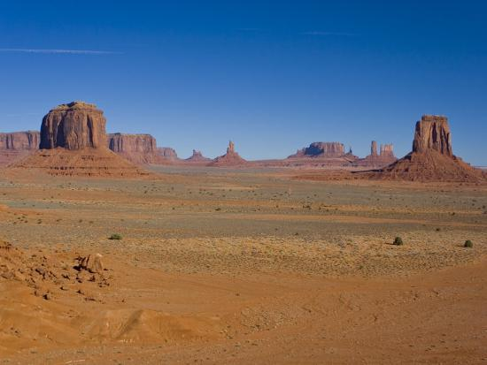 mike-theiss-desert-landscape-with-rock-formations-in-arizona-s-monument-valley