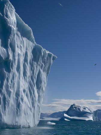 milse-thorsten-iceberg-ummannaq-greenland-polar-regions
