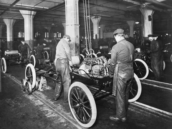 model-t-being-assembled-in-ford-plant