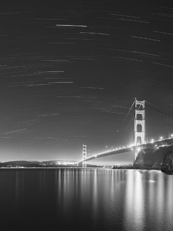 moises-levy-golden-gate-and-stars-bw