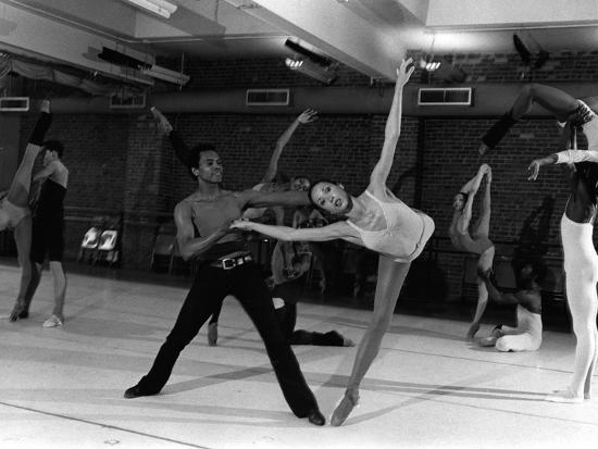 moneta-sleet-jr-arthur-mitchell-virginia-johnson-1978