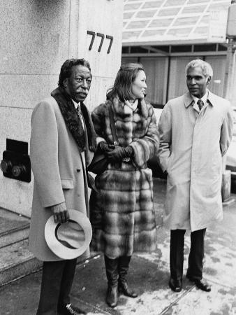 moneta-sleet-jr-gordon-parks-john-moutoussamy-1977