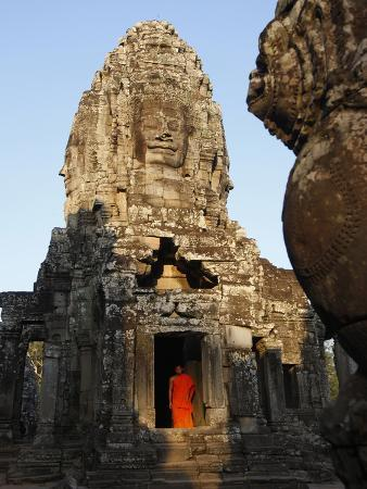 monk-at-the-bayon-temple-angkor-thom-complex-angkor-unesco-world-heritage-site-cambodia