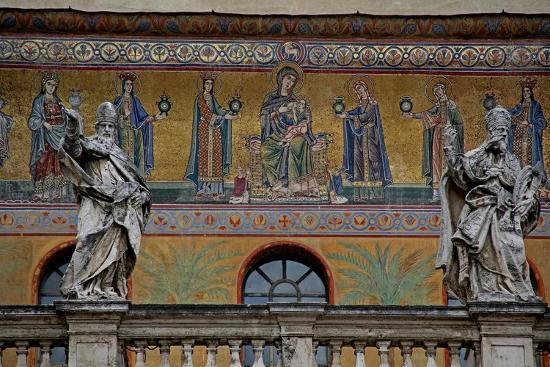 mosaic-on-the-facade-of-st-maria-in-trastevere-the-virgin-and-child-and-women-holding-lamps