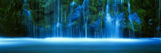 mossbrae-falls-sacramento-river-shasta-cascade-dunsmuir-california-usa