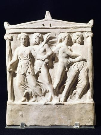 moulded-aedicula-in-terracotta-with-abduction-scene-5th-4th-century-bc