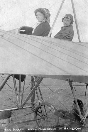 mr-g-hemel-with-passenger-hendon-london-c1910s