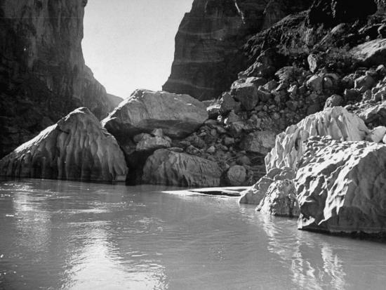 myron-davis-mariscal-canyon-with-steep-jagged-walls-rising-sharply-from-river-at-big-bend-national-park