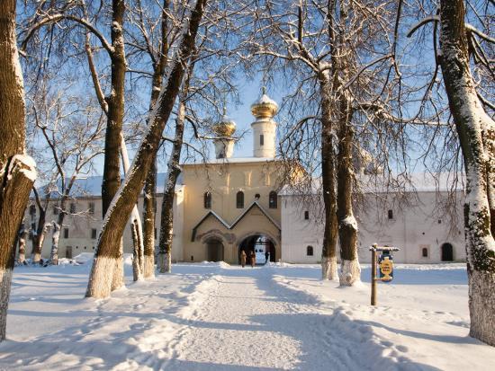 nadia-isakova-entrance-to-the-bogorodichno-uspenskij-monastery-tikhvin-leningrad-region-russia