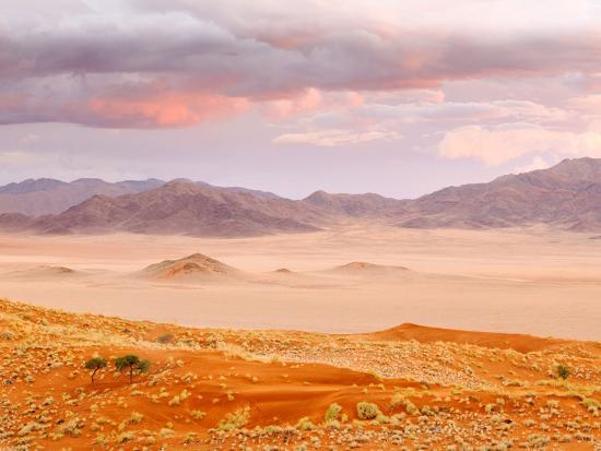nadia-isakova-sunset-in-the-namibrand-nature-reserve-located-south-of-sossusvlei-namibia-africa