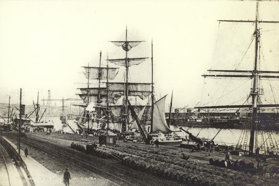 nantes-harbour