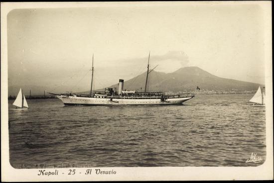 napoli-campagnia-berg-vesuv-yacht-segelboote