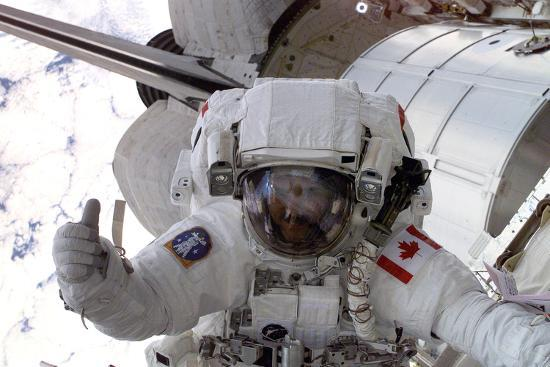 nasa-astronaut-spacewalk-space-photo-poster-print
