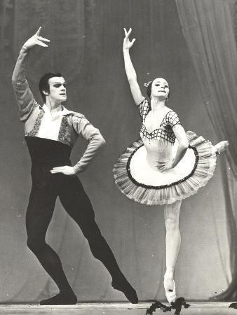 natalia-bessmertnova-and-alexander-godunov-1970s