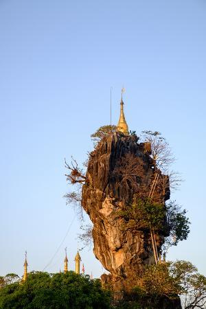 nathalie-cuvelier-kyauk-kalap-kyaik-ka-lat-monastery-hpa-an-kayin-state-karen-state-myanmar-burma-asia