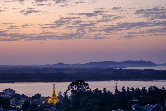 nathalie-cuvelier-river-salouen-thanlwin-from-view-point-mawlamyine-moulmein-myanmar-burma-asia