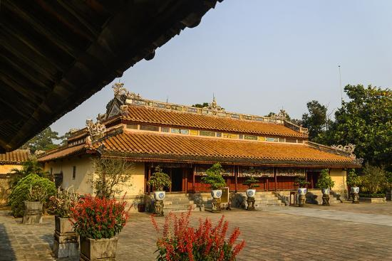 nathalie-cuvelier-tomb-of-the-emperor-minh-mang-of-nguyen-dynasty-sung-an-palace-group-of-hue-monuments