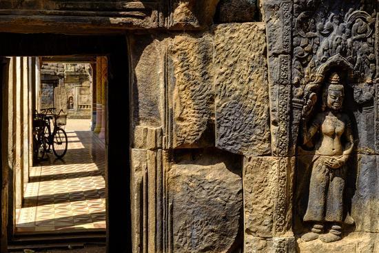 nathalie-cuvelier-vat-nokor-angkorian-sanctuary-dated-11th-century-kompong-cham-kampong-cham-cambodia-indochina
