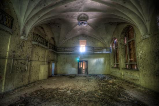 nathan-wright-abandoned-building-interior