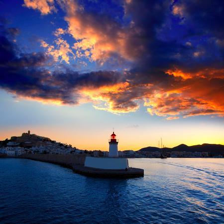 natureworld-eibissa-ibiza-town-sunset-from-red-lighthouse-beacon-in-port