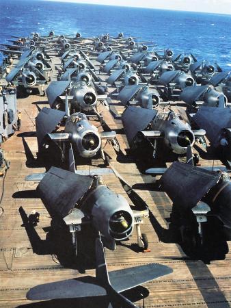 naval-aircraft-on-the-deck-of-uss-yorktown-november-1943