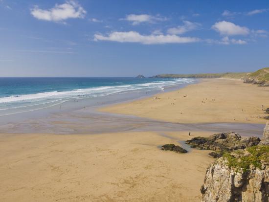 neale-clark-long-beach-and-coastline-perranporth-north-cornwall-england-united-kingdom-europe
