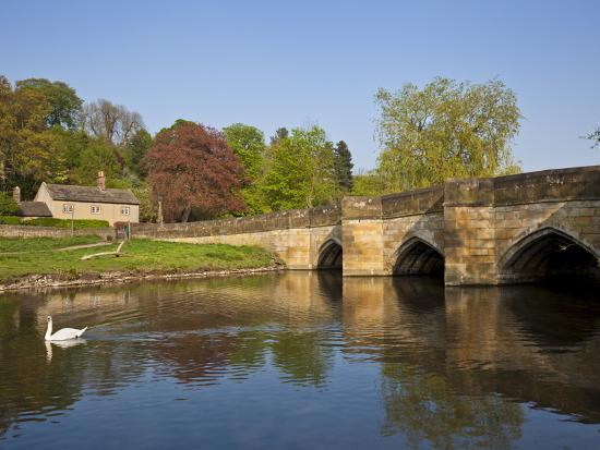 neale-clarke-the-bridge-over-the-river-wye-bakewell-peak-district-national-park-derbyshire-england-uk