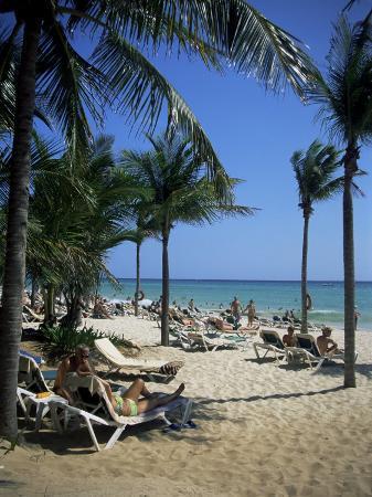 nelly-boyd-tourists-on-the-beach-playa-del-carmen-mayan-riviera-mexico-north-america