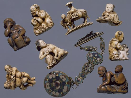 netsuke-depicting-scenes-of-everyday-life-ivory-and-wood-japan