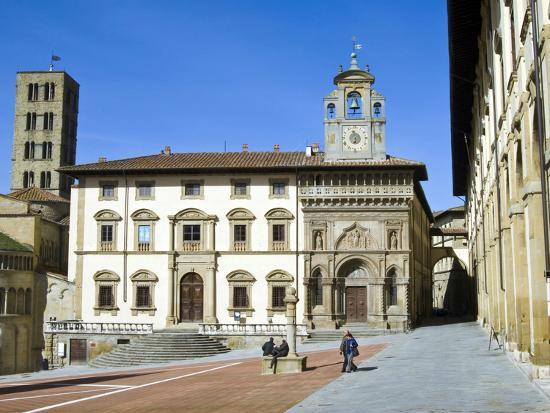 nico-tondini-fraternita-dei-laici-building-and-church-of-santa-maria-della-pieve-piazza-vasari-arezzo-italy