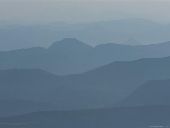 nicole-duplaix-hazy-mountain-ridges-in-provence
