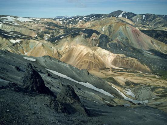 nigel-callow-volcanic-mountains-formed-mainly-of-rhyolite-at-landamannalaugar-iceland-polar-regions