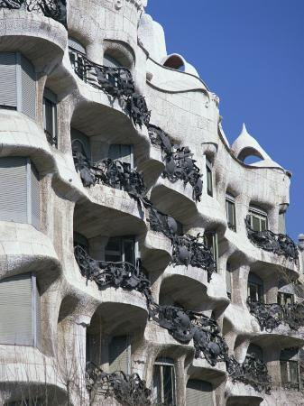 nigel-francis-balconies-on-the-casa-mila-a-gaudi-house-in-barcelona-cataluna-spain