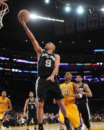 noah-graham-mar-19-2014-san-antonio-spurs-vs-los-angeles-lakers-tony-parker