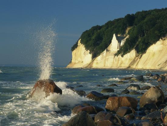 norbert-rosing-white-chalk-cliffs-of-the-island-of-rugen-at-jasmund-national-park