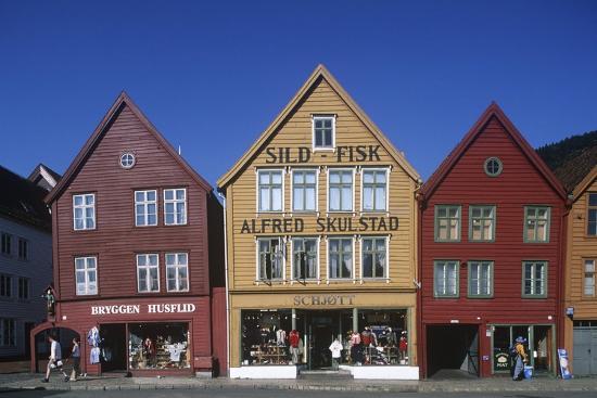 norway-bergen-bryggen-old-wharf-tyskebryggen-german-wharf-hanseatic-commercial-buildings
