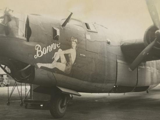 nose-art-on-a-b24-liberator-c-1945