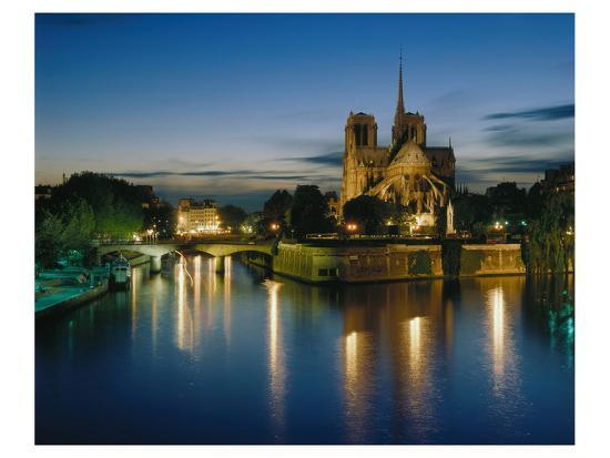 notre-dame-seine-river-paris