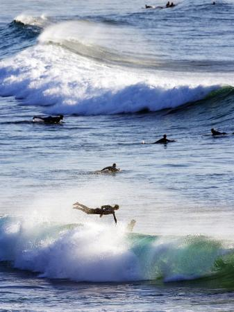 oliver-strewe-surfing-at-southern-end-of-bondi-beach