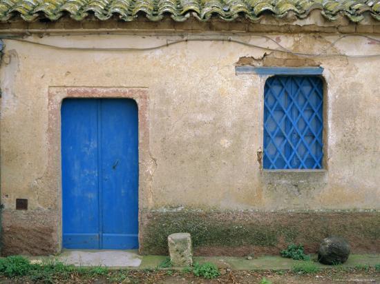 oliviero-olivieri-house-with-blue-door-and-window-bagia-sardinia-italy-mediterranean-europe