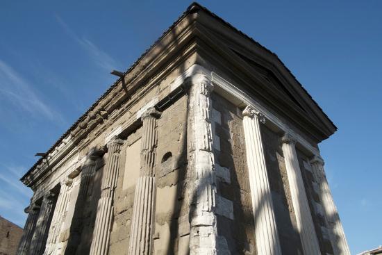 oliviero-olivieri-temple-dedicated-to-the-god-of-the-water-portuno-temple-of-portunus