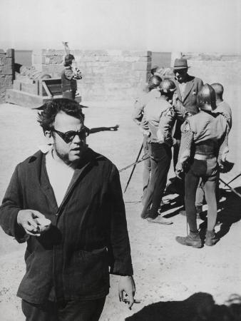 orson-welles-directing-the-1952-film-othello